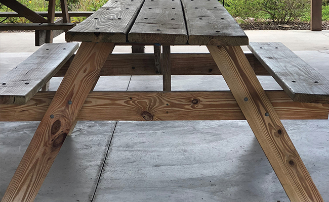 wooden table web